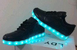 Wholesale 7 Colors LED luminous shoes unisex sneakers men women sneakers USB charging light shoes colorful glowing leisure flat shoes black colors