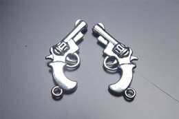 200pieces 28mm cowboy Gun Pendant 7026 Charms Plated Silver DIY Jewelry Finding Making Charms Necklace infinity Bracelets Earring Accessory