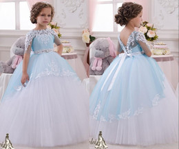 Half Sleeve Sky Blue Flower Girls Dresses Beaded Crystals Lace Appliques Puffy Flowergirl Gowns Floor Length Tulle Ruched Communion Dresses