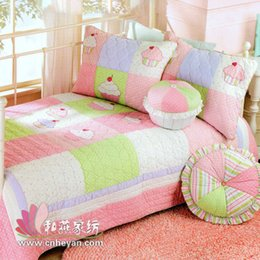 Wholesale Cupcake design coverlet for girls quilting technic PH061