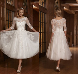 High Quality Vintage Crew 3 4 Long Sleeve Lace Cover Back Tea-length White Tulle Lace Beaded Short Wedding Dresse