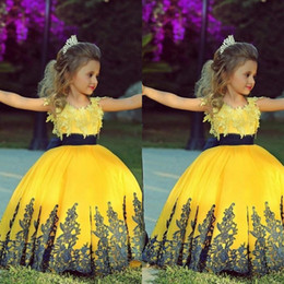 2015 Colorful Yellow Ball Gown Floor Length Pageant Gowns for Little Girls Golden Appliques Cheap Flower Girls' Dresses with Black Sash