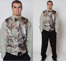 Hot Realtree Camo Mens Vest with Four Buttons Tuxedo Vests for Men Suit Camouflage Custom Mens Wedding Vest for Groom   Groomsmen