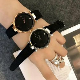 Hot New Fashion Simple Business Ladies Watch Leather Strap Top Luxury Brand Women Quartz Clock Women's Watch Montres Femmes