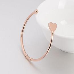 Cadeaux de valentines 2016 Fashion Hand Stamped Initial Bracelets Bangles Bracelet en or Love Heart Charm Bangles Love Bracelet de l'Inde Pluseras TOP1219 à partir de bracelets de charme initiales fabricateur