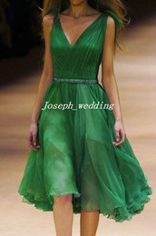 Free Shipping Cocktail Dresses 2017 Deep V Neck Emerald Green Beaded Pleated Chiffon Knee Length Cheap Homecoming Gowns