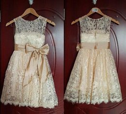 Lovely Real Image Lace Flower Girl Dresses Removable Bow Sash Sleeveless Scoop Neckline Vintage Long Kid's Gowns Custom made