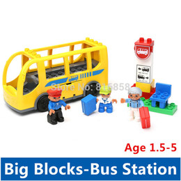 Wholesale Yellow City Bus Station Set Big Building Blocks Funny Sence Blocks Baby Toys Educational Toys Compatible