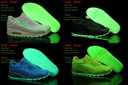 Wholesale Max Designer Sneakers Woman Summer Fashion LED Shoes Night Running Shoe for Men Sports Shoes