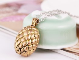 Wholesale 2015 Hot European and American film and television rights jewelry A Song of Ice and Fire Games dragon egg necklace