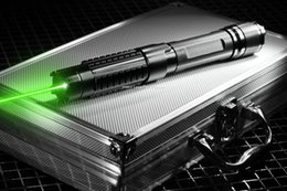 Wicked Powerful 532nm Green Laser Pointers Flashlight Shoot bird Cutting paper Box Cigarette Wood 10000m laser (2*16340) Best Powerful Green