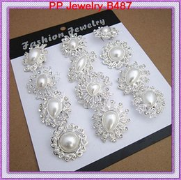 12PCS MIXED IMITATION PEARL MINI BROOCHES WITH CRYSTALS DIFFERENT DESIGNS BROOCH PINS PEOPLE COLLAR PINS PRETTY SACARF BROOCH B487