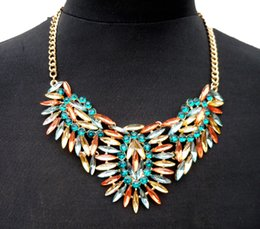 Women Fashion Luxury Colorful Crystal Flower Pendants Statement Necklace Fashion Gold Chain Floral Choker Necklaces Jewelry