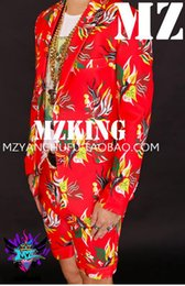 Male singer in Europe and the fashionable nightclub in the Korean version shows red flowers in spring suit costumes. S - 6 xl