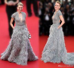 Wholesale Luxurious Cannes Naomi Watts Ostrich Feather Celebrity Red Carpet Dresses With Plunging V Neck Short Sleeve Backless A Line Court Train