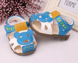 Wholesale boy sandals years old first time walk soft bottom baby shoes blue brown red good quality birthday gift box packaging