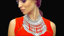 idealway Zamac Jewelry New Statement Vintage Style Silver Golden Carving Flower Handcraft Jingled Coin Fringe Statement Necklaces