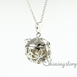 flower openwork diffuser necklace wholesale oil diffuser necklace aromatherapy necklace diffuser natural lava stone