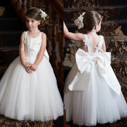 White Cute Off Shoulder Flower Girl Dresses Princess Appliqued Backless with Big Bow Sash Toddler Girl First Communion Party Dresses BA1414
