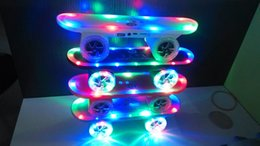 Cool Skateboard Scooter Design Colorful LED Light Speaker Bluetooth Mini Wireless Stereo Speakers FM Radio Stereo MP3 Music Player