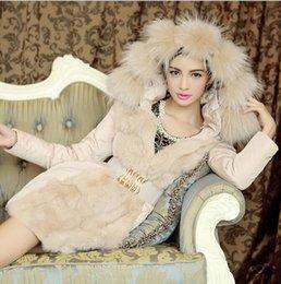 Promotion hoodie de la fourrure pour les femmes Fourrure en fourrure Parka 2015 Hot Winter Femmes Long Slim Coat Luxe à capuche à manches longues Ceinture épaississant Collier de fourrure chaud Parkas