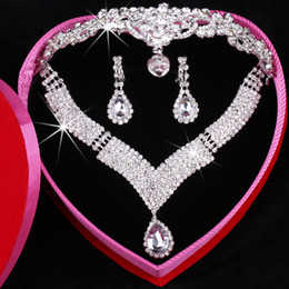 Luxury Hottest Beaded Rhinestones Bridal Tiara Necklace Earrings Jewelry 3 Sets Wedding Accessories For Wedding Evening Party