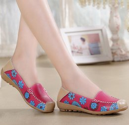 Wholesale Soft Sole Casual Leather Shoes - Moccasin-gommino Woman Flowers Printed Genuine Leather Loafers Womens Comfortable Soft Oxford Sole Casual Shoes Women Four Color H119