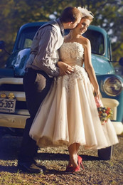 Vintage Champagne Tea length Wedding Dresses 2015 with Handmade Flowers Short Country Style Tulle Bridal Gowns with Sash Custom Made Modest