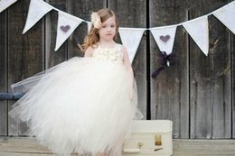 Halter Hand Made Flower Beads Crystal Flower Girls Dress Aesthetic Stylish Stunning Girls Gowns Pretty Off Shoulder Graduation Dress