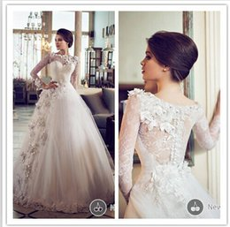 2019 New Vintage Wedding Dresses Ball Gown Scoop Neckline Applique Beaded Crystal Flower Long Sleeve Princess Wedding Gowns Real Image