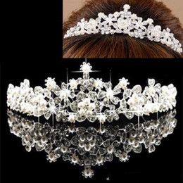 Wholesale Stunning Sparkling Crystals Wedding Crowns with Pearl and Rhinestone Bridal Veil Tiaras Crowns Hair Accessories For Party Wedding Occasion