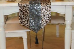Wholesale Factory direct line leopard animal prints modern minimalist stitching sequins custom flag table flag bed