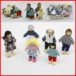 Wholesale 6 Family Wooden Doll Auction figures toys Baby Kids Children Cloth wooden toys Doll Family of Caucasian