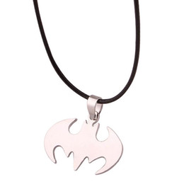 Wholesale Fashion Silver chain Men Necklaces Jewelry Slippy Bat Batman Sign Pendant Stainless Steel Pendant with Chain Necklace