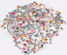 Wholesale 100PCS lot Mixed Loose Charm Beads Floating Charms For Magnetic Glass Living Lockets Fashion Jewelrys