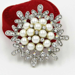 Vintage Silver Plated Top Quality Faux Pearl And Crystals Floral Wedding Bridal Dress Brooch B922 Top Quality Hot Sale Party Dress Jewelry
