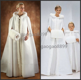 Wholesale Winter Wedding Bridal Fantasy Full Length Hooded Cape White Fur Muff Satin LIning And Ultra Warm Fill Winter Women s Cloaks