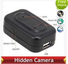 Mini-libre caméra cachée à vendre-F168 4GB Travel USB Chargeur Caméra 1280 * 960 Spy Hidden Camera Mini DV DVR Recorder Livraison gratuite