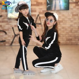 Wholesale Brand children s clothing Family fitted Spring and Autumn the new women s velvet suit Korean female sports and leisure suits