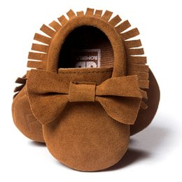 Wholesale Baby Boy Shoes Nubuck Leather Bow Tie Fringe Brown Toddler First Walkers Butterfly Knot Children's Prewalker Shoe Soft