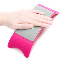 Wholesale Nail Art Pillow Hand Holder Cushion Plastic amp Advanced Silicone Cushion Nails Arm Rest Manicure Tool Comfortable Equipment