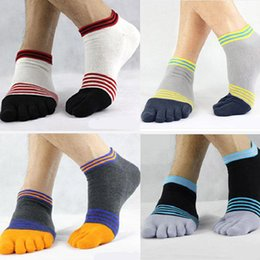 Wholesale New hot men s socks spring sport crew sock mens cycling five toe fingers ankle spandex calcetines hombre calze uomo meias whole sale
