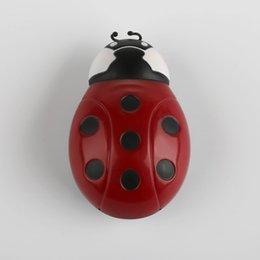 Wholesale Metal animal beetle smoke cracker layer smoke herbal grinder tobacco grinder smoking grinder mental grinder MLYM05