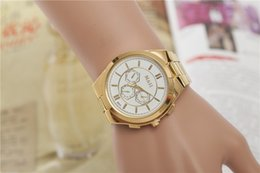 Europe and the United States sell quartz Swiss alloy watch men and women Fashion aliens gold watch