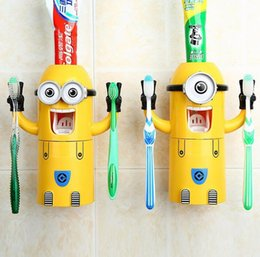 Wholesale 2 Style Plastic Bathroom Set Despicable Me Bathroom Products Automatic Toothpaste Dispenser Minion Toothbrush Holder wash set with box