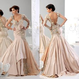 New Style 2019 Prom Dresses V-Neck Beaded Sequined Crystal Pearls Ruffles Sweep Train Taffeta Long Sleeve Champagne Mermaid Evening Gowns