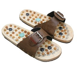Wholesale Wooden foot massage slippers cobblestone Acupuncture Reflexology massager foot slippers