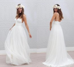 Wholesale 2016 Cheap Beach Wedding Dresses New White Spaghetti Straps Tulle Wedding Gowns Fairy Style Summer Bohemian Simple Bridal Gowns Discount