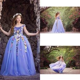 Beautiful Purple Flower Girls Dresses Jewel Neckline Sleeveless Kids Formal Wear For Wedding Flower Applique Little Girl Pageant Dress