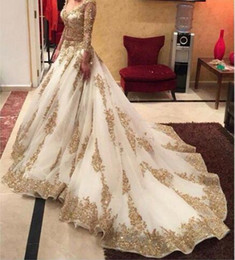 V-neck Long Sleeve Arabic Evening Dresses Gold Appliques embellished with Bling Sequins Sweep Train Amazing Prom Dresses Formal Gowns